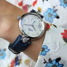 """Discover a mother-of-pearl dial and a satin strap for more reflections on your wrist! 🌼 """"Never Give Up"""" Learn more about the collection Number 8, Never Give Up, Satin, Pearls, Accessories, Collection, Fashion, La Mode, Satin Tulle"""