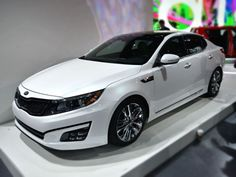Refreshed 2014 Kia Optima introduced at the New York Auto Show