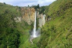 gambar pemandangan air terjun sipiso-piso - air terjun di indonesia tertinggi