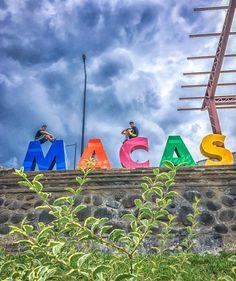 JuanFer y @paulo.s.f en #Macas desde abajo... #Ecuador #AllYouNeedIsEcuador #iPhone #street #style