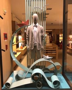 """LORO PIANA, Rodeo Drive, Beverly Hills, California, USA, """"Through the Waves on the Modern High Seas"""", photo by Window Shoppings, pinned by Ton van der Veer"""