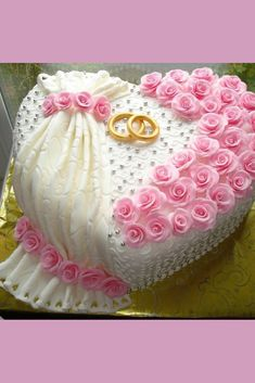 Chocolate sponge cake and rose cake decoration - dessertcitys .com - Page 16 of 48 Pretty Cakes, Cute Cakes, Beautiful Cakes, Heart Shaped Cakes, Heart Cakes, Elegant Wedding Cakes, Wedding Cake Designs, Chocolate Sponge Cake, Bridal Shower Cakes