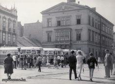 Buszpályaudvar az Ógabona téren az 1950-es években