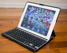 Zaggfolio Keyboard case for iPad 2...I bought the ZAGGfolio and I love it!!