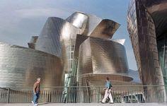 """Bilbao en los medios internacionales. Turno para el francés Le Monde en su sección de Cultura:  """"El museo de Frank O. Gehry construido en Bilbao en 1997 dio un nuevo impulso a la ciudad vasca. Los astilleros de una ciudad en declive han dado paso a un destino de moda. Un modelo a menudo imitado, nunca igualado.""""  Original en francés: http://www.lemonde.fr/culture/article/2013/08/29/la-deflagration-guggenheim_3468529_3246.html"""