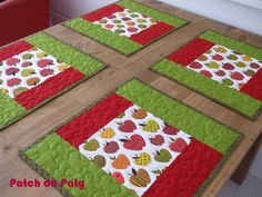 Jogo Americano | Patch da Paty | 2FFF16 - Elo7 Patch Quilt, Quilt Blocks, Table Runner And Placemats, Quilted Table Runners, Quilting Projects, Sewing Projects, Projects To Try, Quilted Potholders, Place Mats Quilted