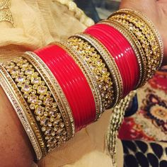 Bridal Bangles, Wedding Jewelry, Wedding Chura, Wedding Venues, Chuda Bangles, Sarees For Girls, Bridal Chuda, Indian Groom Wear, Indian Jewelry