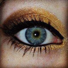 bftecosmetics fawn, snake oil, sunset blvd, and batwing Gold Eyeshadow Looks, Metallic Eyeshadow, Shades Of Gold, Golden Rule, Beauty Art, Bat Wings, Beautiful Eyes, Makeup Cosmetics, Pantone