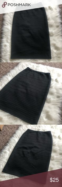 """Topshop Pencil Skirt • Size 4 Great condition pencil skirt from Topshop. Us size 4. Pretty stretchy with horizontal ridges(?). 23"""" in length. 11.5"""" at waistband but is hi-rise. 15"""" across at hips. No trades. Smoke free home. Topshop Skirts Pencil"""