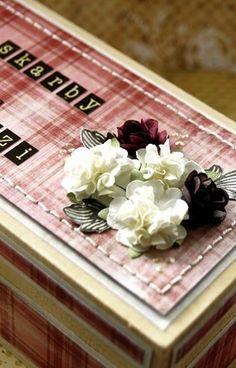Różyczki bordowe z zestawu różyczek