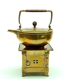 Botterweg Auctions Amsterdam > Brass kettle on burner, design & execution by Jan Eisenloeffel / the Netherlands ca.1905