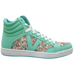 Sweet sneakers! Look cute while looking casual on campus