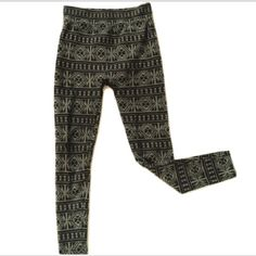 Printed Leggings Cozy & soft, stretchy leggings. Perfect under sweaters.  Accepting reasonable offers~ bundle for better discounts. Smoke free pet friendly home. Zenana Outfitters Pants Leggings
