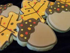 Bake at 350 // Fall Acorns & Leaves // Bridget Edwards Acorn Cookies, Farm Cookies, Iced Cookies, Leaf Cookies, Halloween Cookies Decorated, Halloween Sugar Cookies, Thanksgiving Cookies, Holiday Cookies, Thanksgiving Sale
