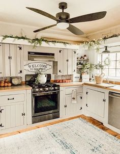 Are you looking for pictures for farmhouse kitchen? Check this out for perfect farmhouse kitchen inspiration. This kind of farmhouse kitchen ideas will look totally terrific. Rustic Kitchen Design, Farmhouse Style Kitchen, Modern Farmhouse Kitchens, Rustic Farmhouse, Country Kitchens, Small Kitchens, Kitchen Modern, Dream Kitchens, Eclectic Kitchen