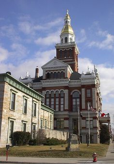 Dubuque is located on the eastern border of the state of Iowa. In the foreground is the Old Jail. In the back is the Courthouse. Dubuque Iowa, City State, Old Houses, Stuff To Do, Wonderland, Buildings, Old Things, Heaven, Mansions