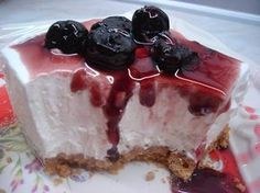 Το cheesecake με ζαχαρούχο της Μαρία Μαρδα που μας πήρε τα μυαλά! Greek Sweets, Greek Desserts, Easy Desserts, Easy Cheesecake Recipes, Sweets Recipes, Cooking Recipes, Cheesecake Bars, Sweet Pastries, My Dessert
