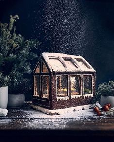 Stunning Gingerbread Houses & Decoration Ideas 2020 - - Christmas gingerbread house designs and gingerbread house pictures. Ideas for amazing gingerbread houses and decorations. Gingerbread Hogwarts and castles. Gingerbread House Pictures, Cardboard Gingerbread House, Gingerbread House Template, Gingerbread House Designs, Gingerbread House Parties, Gingerbread Decorations, Christmas Gingerbread House, Christmas Houses, Ginger Bread House Diy