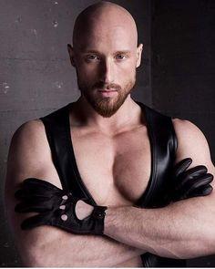 Leather Driving Gloves, Leather Gloves, Leather Men, Bald Men, Hairy Men, Leather Gauntlet, Beautiful Men, Handsome, Twitter