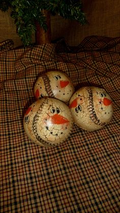 PRIMITIVE NO WOOD HP SNOWMAN SOFTBALL BALL BOWL FILLERS CRACKLE COUNTRY DECOR #Country