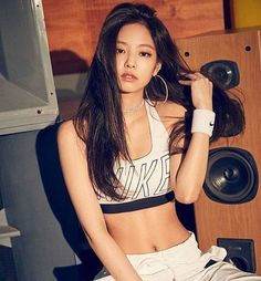 Describe #Jennie with one word! #kpop #blackpink