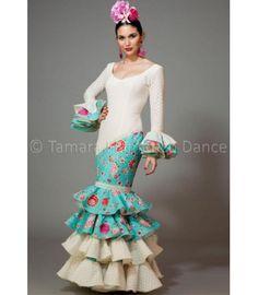 trajes de flamenca 2016 mujer - Aires de Feria - Luna blanco y aguamarina con flores