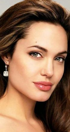 ANGELINA JOLIE MAKEUP BEAUTY FACE 1932X1024 by mariam