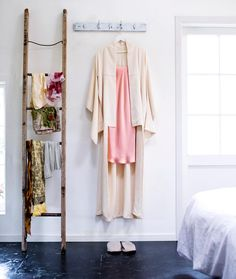 #Handstitched #kimonos are a thing of #beauty, says our contributing editor @sarah_heeringa. In the current issue of @goodmagazinenz she shares 5 ideas for a #vintage or #retro kimono. 📷@jessiecasson #elegance #fashion #tradition #japan