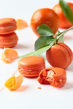 Clementine Macarons are so delicious! Macaron Flavors, Macaron Recipe, Pavlova, Bakery Recipes, Cooking Recipes, French Patisserie, French Macaroons, Sweet Recipes, Delicious Desserts