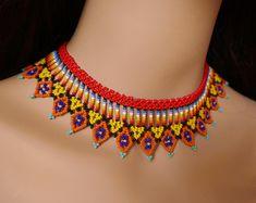 Chaquira handbeaded necklace choker very chic ideal for Beaded Choker Necklace, Necklaces, Beaded Jewelry Patterns, Empanadas, Columbia, Amanda, Freedom, Handmade Jewelry, Chokers