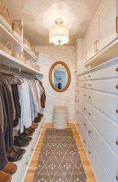 36 ideas walk in closet mirror clothes Master Bedroom Closet, Master Bathroom, Mirror Bedroom, Bathroom Vanities, Closet Transformation, Closet Mirror, Closet Chandelier, Closet Drawers, Closet Dresser