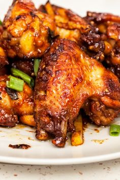Paleo Baked Honey Garlic Chicken Wings Recipe - Only 4 Ingredients and 5 Minute Prep Time.