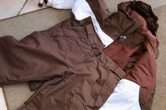 Veste et pantalon de ski en très bon état de couleur marron. Location veste et pantalon de ski 14 ans à Six-Fours-les-Plages (83140)_www.placedelaloc.com
