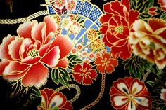 Japanese traditional fabrics, 100% cotton, medium weight.  Perfect print all golden!!!!     I think a handbag would be lovely with this very tradition