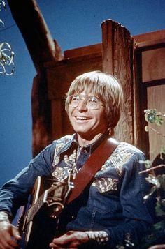 American Folk Music, Denver News, Country Music Videos, John Denver, People Of The World, Country Boys, Still Image, Free Photos, Handsome