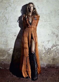 Gisele Bündchen Is An Earth Goddess Lensed By Paulo Vainer For Vogue Brazil May 2015 - News for Women, Fashion & Style, Women's Rights - Women's Fashion & Lifestyle News From Anne of Carversville Fashion Foto, Image Fashion, Boho Fashion, Fashion Models, Womens Fashion, Style Fashion, High Fashion, Gisele Bündchen, Coachella