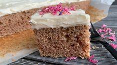 Saftig krydderkake i langpanne Vanilla Cake, Food And Drink, Baking, Desserts, Baking Soda, Tailgate Desserts, Patisserie, Backen, Dessert