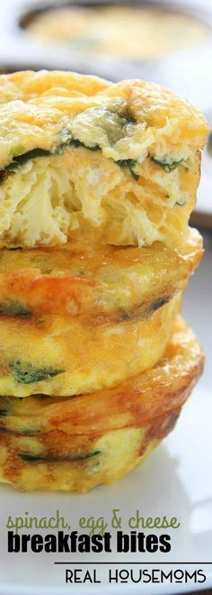 Yummy keto breakfast Ideas with no eggs meal prep eggs vegetarian menu keto diet lunch - These SPINACH EGG AND CHEESE BREAKFAST BITES are such an easy breakfast and are a great meal when you are on the go! Egg Recipes, Brunch Recipes, Low Carb Recipes, Breakfast Recipes, Cooking Recipes, Healthy Recipes, Quick Recipes, Cheese Recipes, Cake Recipes