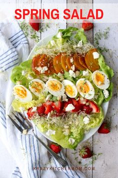 Fresh Spring Salad This fresh spring salad filled with soft crispy butter lettuce, strawberries, beets, hard-boiled eggs, and goat cheese will brighten any salad lover's day. Brunch Recipes, Great Recipes, Favorite Recipes, Healthy Recipes, Recipe Ideas, Easy Recipes, Healthy Food, Summer Salad Recipes, Summer Salads