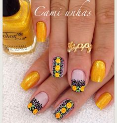 Different nail by Cami Unhas. Unghie different di Cami Unhas. Hair And Nails, My Nails, Mani Pedi, Nail Arts, Eyeliner, Nail Colors, Finger, Nail Designs, How To Make