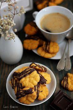 Biscuiti cu dovleac - retete culinare de post. Reteta biscuiti cu dovleac. Reteta cu dovleac. Ingrediente si mod preparare biscuiti de post cu dovleac.