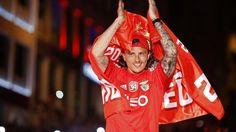 Retweet para dar os parabéns a Ljubomir Fejsa, médio do @SL_Benfica e da Sérvia, pelos 27 anos festejados hoje!