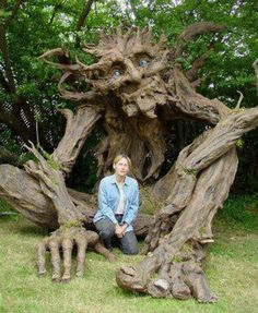 Kim Graham and a group of volunteers finished a very large Paper Mache sculpture of a wonderful, benign Troll. I love the idea of a benign troll. Paper Mache Tree, Wow Art, Belle Photo, Garden Art, Tree Garden, Garden Ideas, Indoor Garden, Sculpture Art, Concrete Sculpture