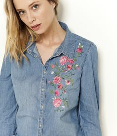 Kurti Embroidery Design, Shirt Embroidery, Embroidery Fashion, Flower Embroidery, Fabric Painting On Clothes, Painted Clothes, Embroidered Clothes, Embroidered Blouse, Chemises Country