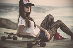 """BB """"Girl With Skateboard"""" : A young girl relaxes with her skateboard. Her fashion sense is fashion forward as she reclines on her longboard near the beach. Skateboard Photos, Skate Photos, Look Skater, Foto Sport, Beauty Tips For Girls, Skate Girl, Skater Girl Outfits, Skate Style, Girls Rules"""