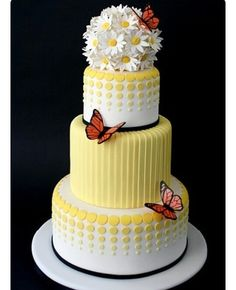 We know of a few of you who like yellow. Like this cake too???