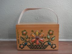 Vintage 1970s Box Purse Enid Collins Flower Box 2013691 - pinned by pin4etsy.com