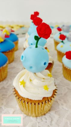 The Little Prince cupcakes Prince Birthday Theme, Boys 1st Birthday Party Ideas, 1st Boy Birthday, The Little Prince Theme, Little Prince Party, Christening Themes, Prince Cake, First Communion Party, 1st Birthdays