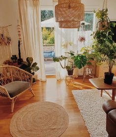 Home Decoration With Indoor Plants Warm Home Decor, Cute Home Decor, Home Decor Kitchen, Home Decor Styles, Cheap Home Decor, Kitchen Interior, Boho Living Room, Living Room Decor, Bedroom Decor