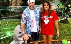 Inspiration & accessories for your DIY Shark Attack halloween costume idea Diy Couples Costumes, Easy Costumes, Shark Bite Makeup, Baywatch Fancy Dress, Baywatch Costume, Alaaf You, Scary Halloween Costumes, Homemade Halloween, Hai